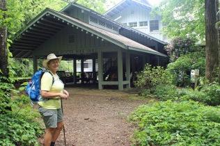 Len Foote Hike Inn Lodge
